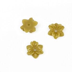 Cabochon rasina floare 10mm - kaki