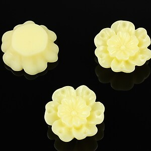 Cabochon rasina floare 18mm - galben deschis