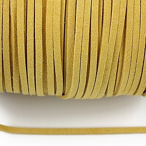 Snur suede (imitatie piele intoarsa) 3x1mm, galben (1m) - cod 180