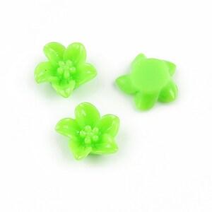 Cabochon rasina floare cu 5 petale 13mm - verde