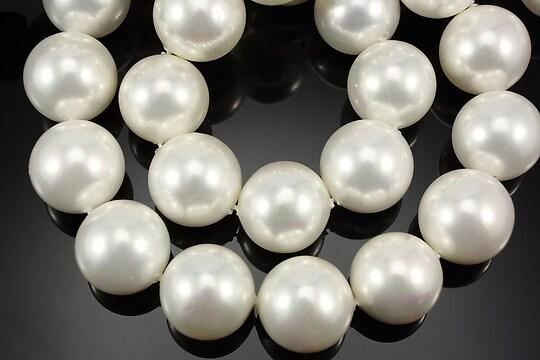 Perle tip Mallorca albe sfere 12mm