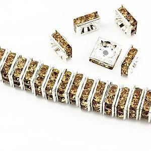 Distantiere argintii cu rhinestones maro 8mm (patrate 3,5x8mm)
