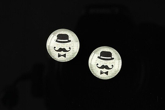 "Cabochon sticla 14mm ""Lovely moustache"" cod 144"