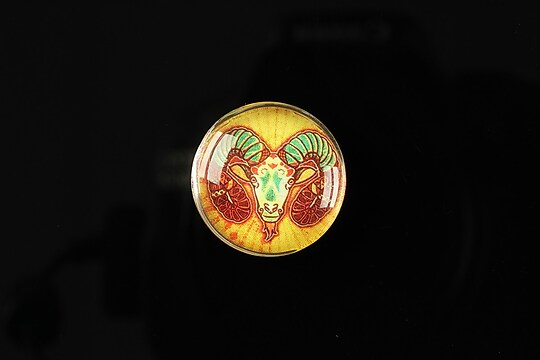 "Cabochon sticla 20mm ""Tribal zodiac"" capricorn cod 170"