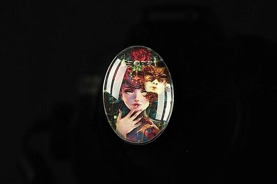 """Cabochon sticla 25x18mm """"Magic queen"""" cod 181"""