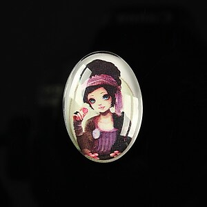 "Cabochon sticla 25x18mm ""Girl next door"" cod 185"
