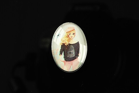 "Cabochon sticla 25x18mm ""Girl next door"" cod 188"