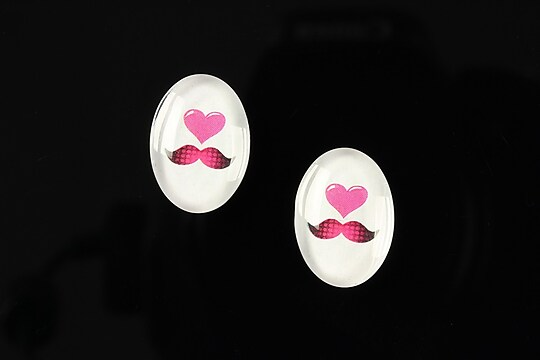 "Cabochon sticla 18x13mm ""Loving moustache"" cod 201"