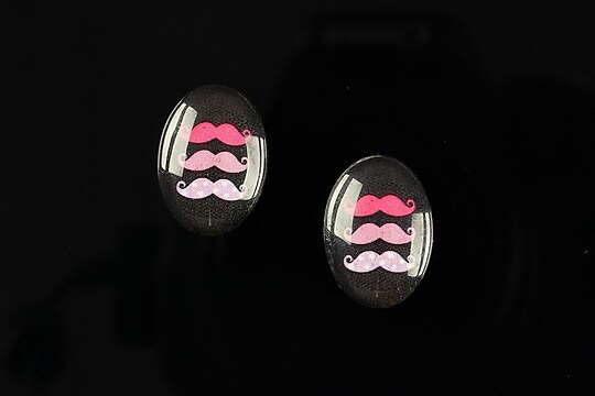 "Cabochon sticla 18x13mm ""Loving moustache"" cod 202"