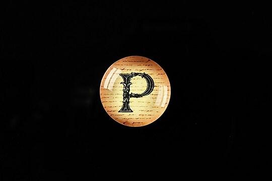 """Cabochon sticla 18mm """"Antique alphabet  - P"""" cod 338"""