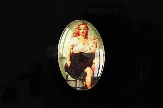 """Cabochon sticla 30x20mm """"Pin up girls"""" cod 276"""