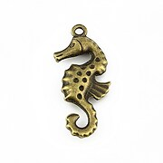 http://www.adalee.ro/26286-large/pandantiv-bronz-calut-de-mare-36x15mm.jpg