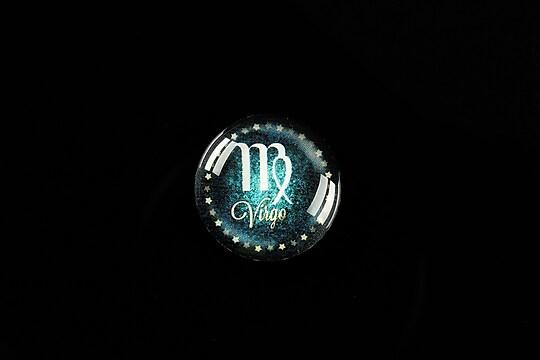 """Cabochon sticla 18mm """"Zodiac Signs"""" fecioara cod 424"""