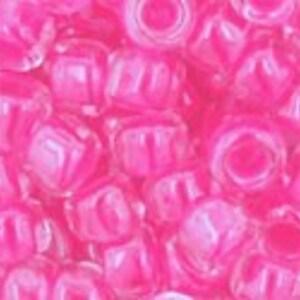 Margele Toho rotunde 6/0 - Luminous Neon Pink