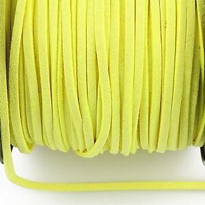 Snur suede (imitatie piele intoarsa) 3x1mm, galben neon (1m)