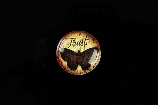 "Cabochon sticla 20mm ""Trust"" cod 552"