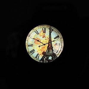 "Cabochon sticla 20mm ""Hour in Paris"" cod 569"