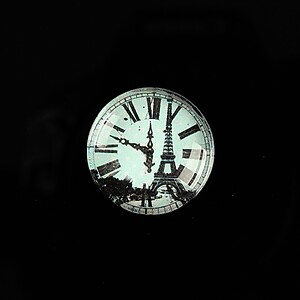 "Cabochon sticla 20mm ""Hour in Paris"" cod 570"