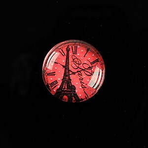 "Cabochon sticla 20mm ""Hour in Paris"" cod 571"