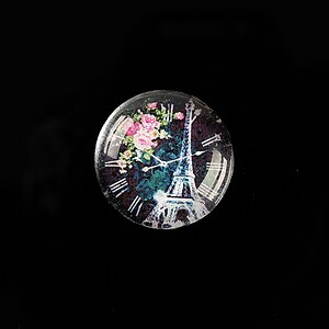 "Cabochon sticla 20mm ""Hour in Paris"" cod 572"