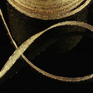 Panglica cu fir auriu, latime 0,6cm (1m)