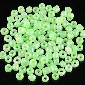 Margele de nisip 4,5mm perlate (50g) - cod 387 - verde deschis