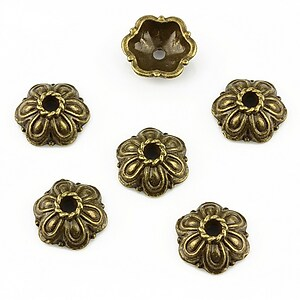 Capacele margele bronz floare 11x4mm