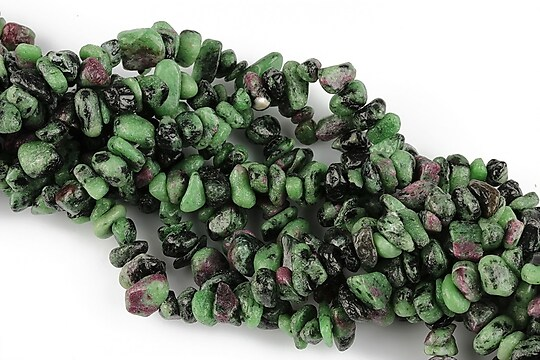 Chipsuri ruby zoisite