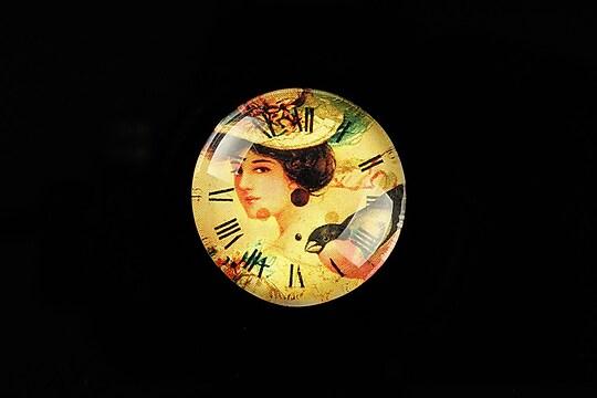 "Cabochon sticla 25mm ""Vintage Beauty"" cod 771"
