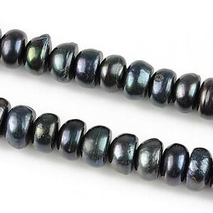 Sirag perle de cultura rondele aprox. 6x8mm, negru cu irizatii
