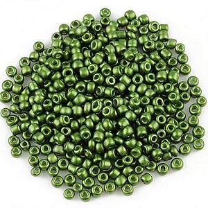 Margele de nisip 2mm cu efect frosted (50g) - cod 520 - verde militar