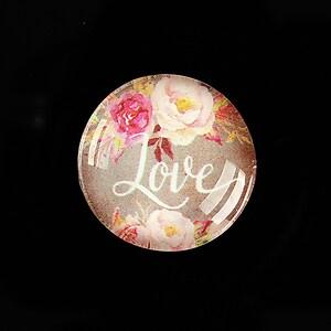 """Cabochon sticla 25mm """"Love"""" cod 935"""