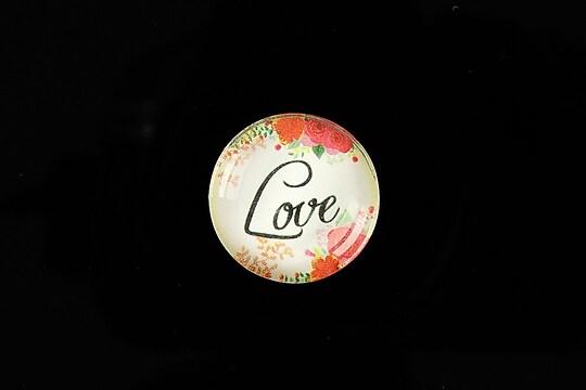"""Cabochon sticla 20mm """"Love"""" cod 944"""
