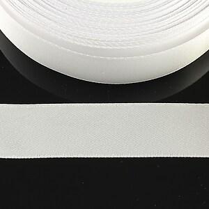 Panglica saten latime 1,8cm (1m) - alb