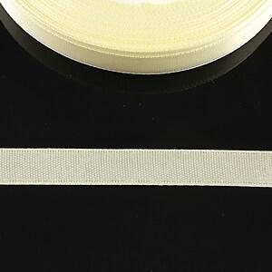 Panglica saten latime 1cm (1m) - crem deschis