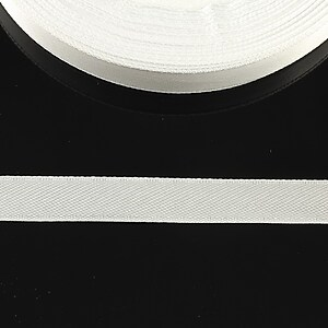 Panglica saten latime 1cm (1m) - alb