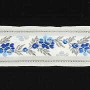 http://www.adalee.ro/43769-large/panglica-alba-brodata-cu-trandafiri-latime-32cm-1m-argintiu-si-albastru.jpg