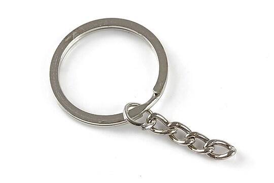 Inel breloc argintiu inchis, cu lant, diametru 30mm