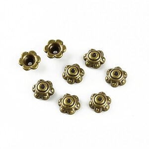 Capacele margele bronz floare 6x3mm