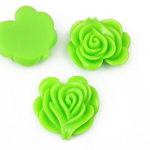 Cabochon rasina floare 19x20mm - verde