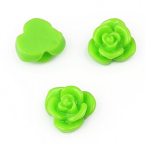Cabochon rasina floare 15mm - verde