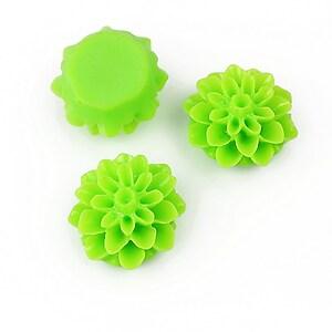 Cabochon rasina dalie 15mm - verde