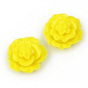 Cabochon rasina floare 20mm - galben