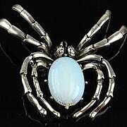 http://www.adalee.ro/66986-large/pandantiv-cu-brosa-argintiu-antichizat-paianjen-si-cabochon-opalit-60x47mm.jpg