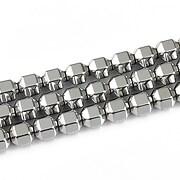 http://www.adalee.ro/68058-large/hematit-argintiu-cu-fatete-mari-5x6mm.jpg