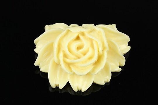 Cabochon rasina floare 34x44mm - ivoriu