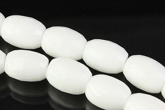 Margele de portelan alb butoias fatetat 16x12mm