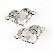 https://www.adalee.ro/88072-large/link-argintiu-antichizat-inima-cu-harta-lumii-20x15mm.jpg