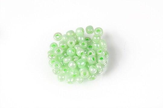 Margele de nisip 4mm  (50g) - cod 658 - verde deschis perlat