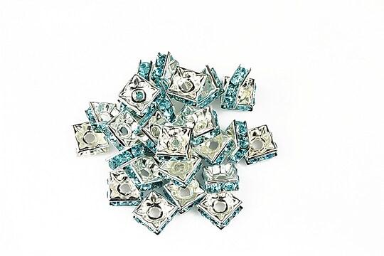 Distantiere patrate argintii cu rhinestone albastre 3x6mm